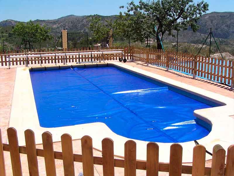 Instalación lonas piscina en Benidorm